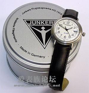 飞机标志的手表