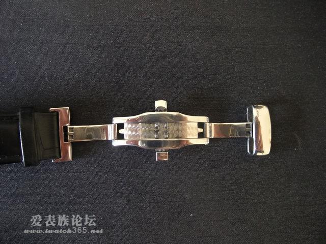 新买的表带的蝴蝶扣竟然和美度是一样的